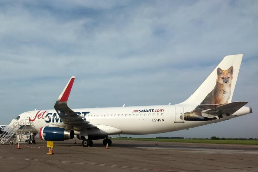 Resultado de imagen para jetsmart argentina A320 LV-IVN